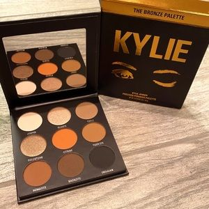 Kylie Jenner • The Bronze Palette